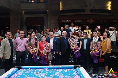 Event creator Charlie Williams of Dragon Promotions, Dino Laurena ABS-CBN Sports, Kelly Fisher, Amit, Eric Ding of Yalin, Shane Sinnott of OB Cues, Han Yu, Jeff Evora of Resorts World, Tsai Pei Chen, and Cindy Lee CEO of Dragon Promotions